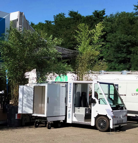 véhicule utilitaire urbain électrique porte-container